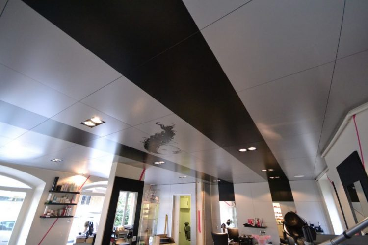 Stickers sur dalle de faux plafond