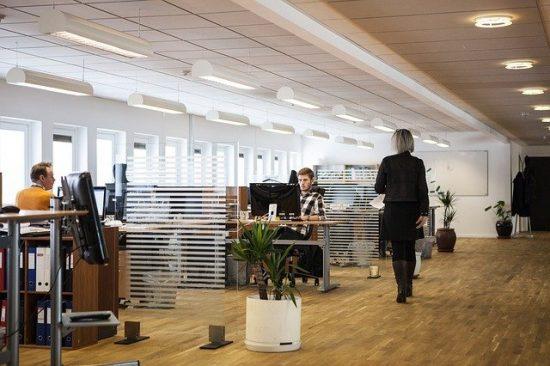 Comment redesigner les murs et plafonds d'une entreprise ?