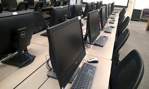 salle de classe informatique
