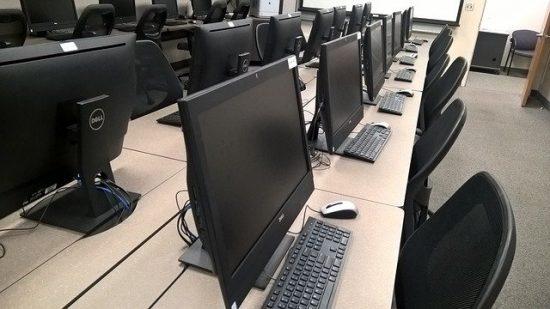 Les éléments à prendre en compte dans l'aménagement d'une salle informatique