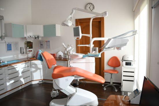 Comment démarrer son activité de cabinet dentaire ?