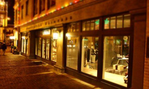décorer vitrine magasin